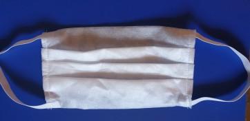 Maseczka ochronna 3 - warstwowa biała .